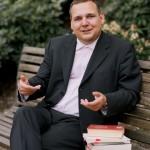 Dr. Sacha Szabo